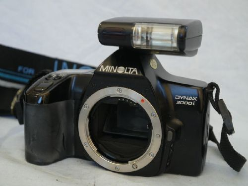 ' 3000i + Flash NICE SET ' Minolta Dynax 3000i   SLR Camera + Flash £9.99